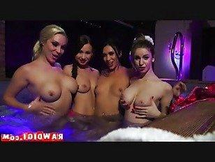 Эротика игровая комната порно видео