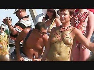 Эротика Нудистский Пляж 8 порно видео