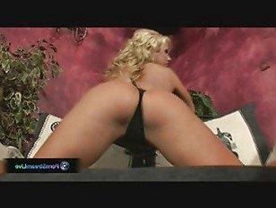 Эротика Хорошо одаренная Джинджер Джонс играет сама с собой порно видео