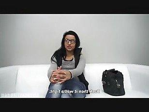 Эротика Сексуальная Красотка В Очках На Кастинге порно видео