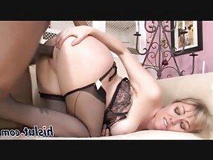 Эротика Большой черный петух проникает в тугой рывке порно видео