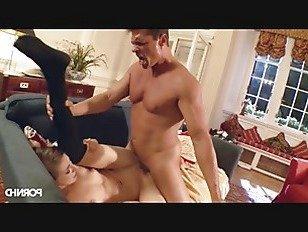 Эротика Мишка заканчивается зияющей киской порно видео