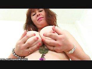Эротика Толстушки милфа Джейн Сторм пальцы ее волосатая киска порно видео