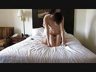 Эротика Горячая Красотка Колледж Сосет Член И Трахается С Волосатым Парнем порно видео
