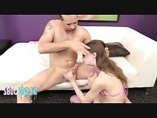 Эротика Гибкая Алекса Нова получает ее красивое лицо и ноги трахал и амп; застекленная в сперме порно видео