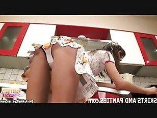 Эротика Приходите посмотреть, как я мигать мои крошечные трусики порно видео