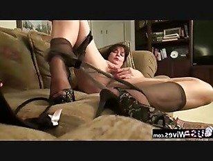 Эротика USAWives зрелые Лори Лин мастурбирует в одиночестве порно видео