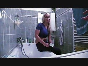 Эротика Кэролайн на публике порно видео