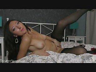 Эротика Гламурная сеньорита выставляет свое миниатюрное тело поклонникам порно видео