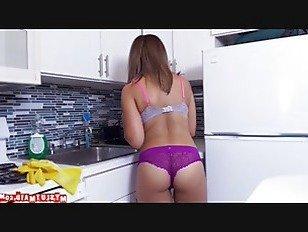 Эротика Mariah убирает больше, чем просто квартира p2 порно видео