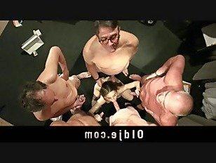 Эротика Распутная медсестра трахал в групповуха встреча из 5 старый doctors порно видео