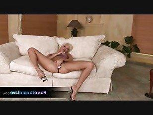 Эротика Лолита шлюха и хочет два петуха трахаться порно видео