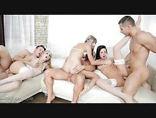 Эротика Глэм Детки Трахал На Диване порно видео