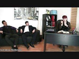Эротика Зрелые леди в чулках езда и сосание порно видео