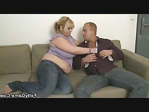 Эротика Большие сиськи толстушки блондинка дает голову, прежде чем собачка-ебать порно видео