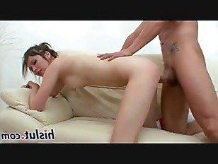 Эротика Стройная Тиффани подпрыгивает на большой стержень порно видео