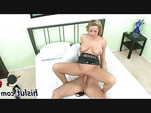 Эротика Грудастая полицейская едет на массивном стояке порно видео
