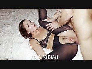 Эротика BAEBZ-брюнетка красотка перец хо получает ее розовый киска фаршированные порно видео