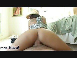 Эротика Потрясающий брюнетка едет большой член порно видео
