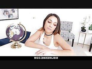 Эротика DadCrush-сексуальный подросток умоляет папу для кредитной карты и петух порно видео