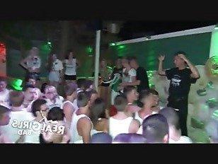 Эротика Веселый сиськи реальный Тинейджеры порно видео