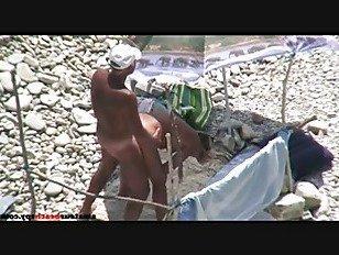 Эротика Дедушка трахает бабушку на откровенном пляже порно видео