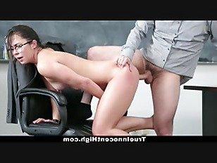 Эротика InnocentHigh — горячая школьница трахает ее выход из неприятностей порно видео