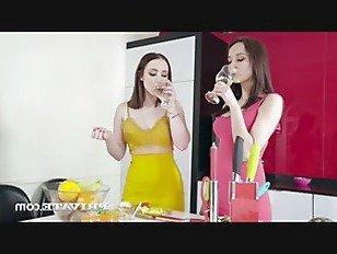 Эротика Private -подросток Зои Кукла и Франсис Белль есть Трио порно видео