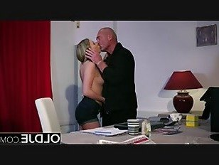 Эротика Горячей подросток лижет пизду жесткий трах молодые лица порно видео