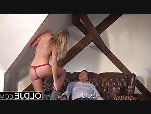 Эротика Дедушка трахает красивую молодую подругу письку в рот порно видео