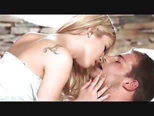 Эротика Babes — белая кожа — Спарта Прага поле покидает Леони апреля порно видео