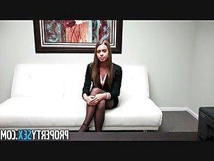 Эротика Молодой агент по недвижимости собеседование порно видео