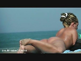 Эротика Скрытая камера пляж ловит сексуальные нудистские женщины порно видео