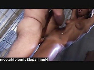 Эротика HumiliatedSchoolGirls мое путешествие в тюрьме порно видео