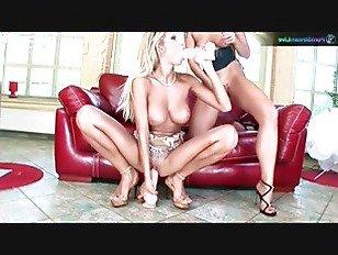 Эротика Симони и Клараг Фистинг и лесбийский секс с дилдо порно видео