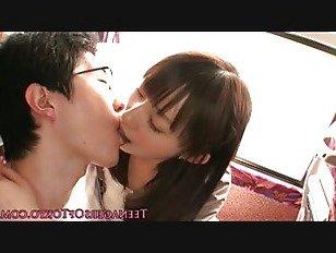 Эротика Японские подростки Минет оргия на автобусе порно видео