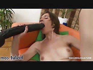 Эротика Тощий шлюха сверлит ее пизда с игрушками порно видео