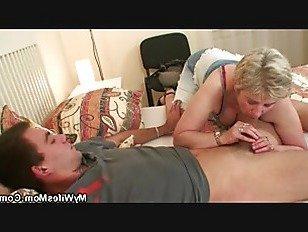 Эротика Жены старая мама скачет на моем члене порно видео