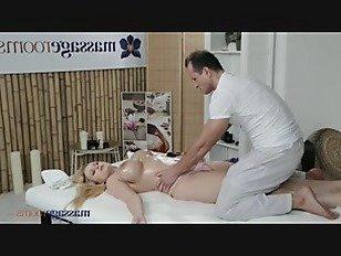 Эротика Ангел Вики сквирт и массаж порно видео