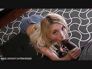 Эротика Маленькая Пайпер Перри получает растягивается большой хуй порно видео