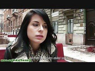 Эротика Реальный pickedup евро дует петух за наличные порно видео