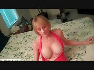 Эротика Мама Контролирует Ее Сыновья Петух порно видео