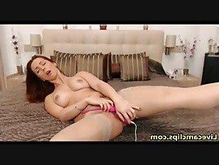 Эротика Рыжая любит ее вкусную киску порно видео