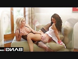 Эротика BANGcom Киска Облизывание Подросток Лесбиянки порно видео