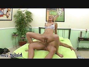 Эротика Сексуальная блондинка красотка получает выебанная жесткий на самом деле порно видео