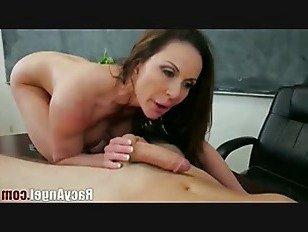 Порно XXX грудастая мамаша ебать показать HD секс видео