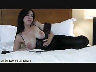 Эротика Поклоняйтесь моим ногам или я буду хлестать вас порно видео