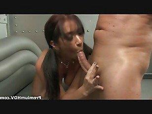 Эротика Брюнетка Любит Кататься На Члене порно видео
