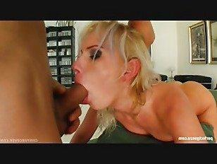 Эротика Беатрикс в группа буккаке blowbang действие от сперма для Крышка порно видео