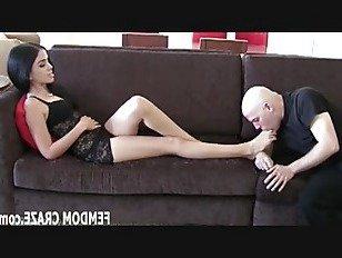 ХХХ Порно Мои большие сексуальные ноги нужно побаловать HD секс видео